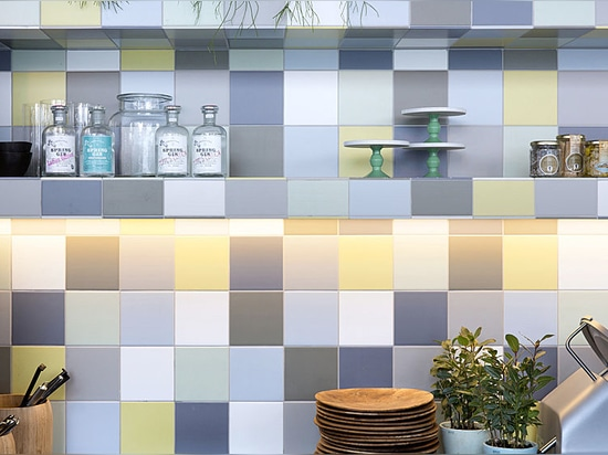 Concepto único e innovador para las paredes de cerámica auténticas