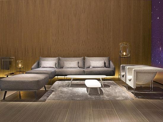 Las nuevas tablas del sofá y de Solapa de Costura de Stua