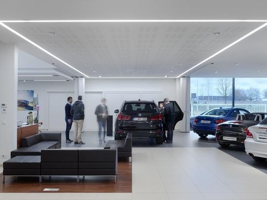 Muestra luminosa para BMW Gregoir por Zumtobel