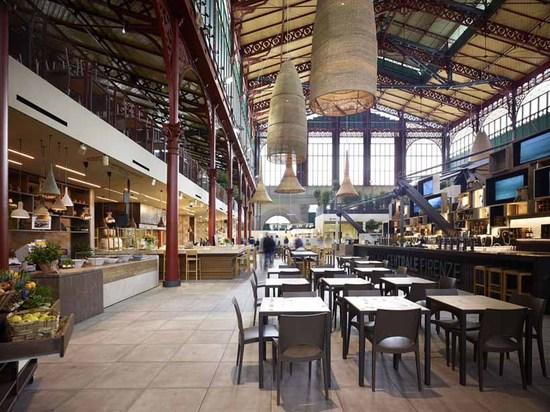 Los asociados de Archea y el d'arte del ceramiche del tagina remodelaron el mercado de San Lorenzo en Florencia