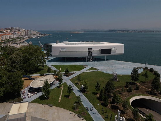 Mundo del agua: Centro Botín de Renzo Piano se abre en el público en Santander