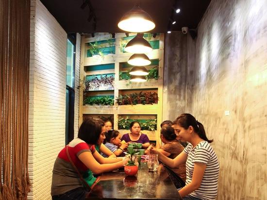 ¿Antes y después? Una tienda de helado en Vietnam
