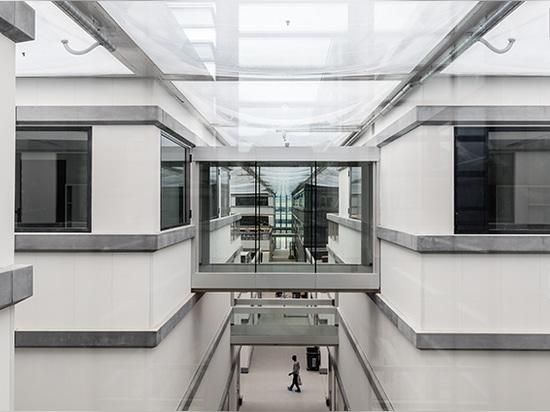 OMA construye 'rejilla urbana' para la escuela de la ciencia y de ingeniería en París