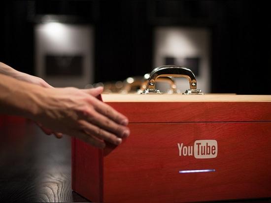 Caja de la ciencia de YouTube. Fotos de Wesley Lee Yang.