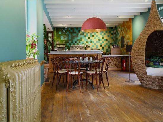 Restaurante joven con una decoración suave