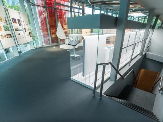 Dot Design Museum Singapore rojo