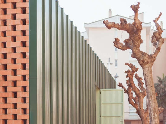 Nuevos arquetipos: ¿NUA Arquitectures? El centro de la distribución de los alimentos de SDA aplica el diseño simple para un impacto grande en España