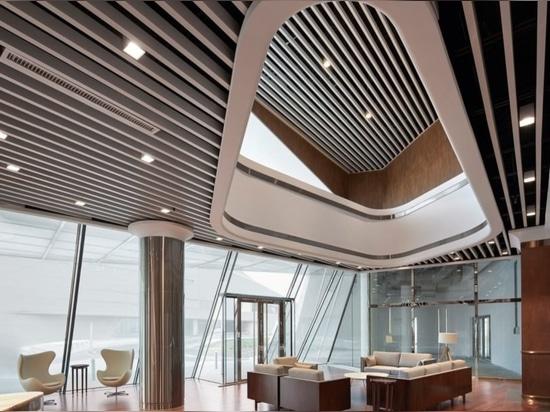 UNStudio termina un puerto deportivo con un de lujo yate-como club en China