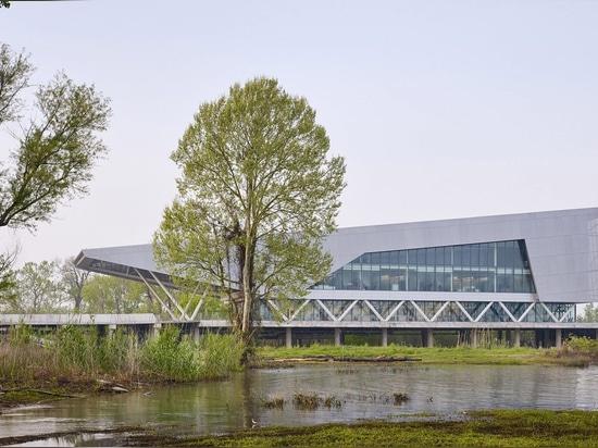 Las jefaturas del instituto del agua por Perkins+Will se sientan en el río Misisipi