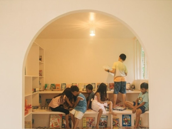 Localmente hizo los dobles de centro del aprendizaje a mano de los niños como refugio de la emergencia en las Filipinas