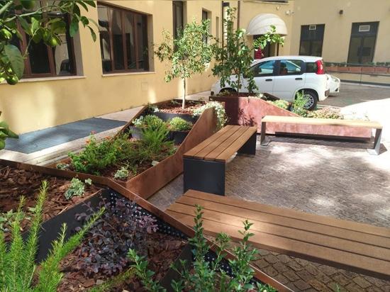Mobiliario Urbano de Cervic Environment en Italia