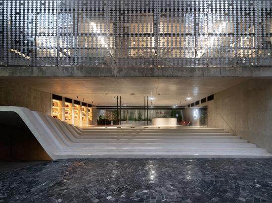 Edificio Puente de Oficinas / G8A Arquitectura y Urbanismo