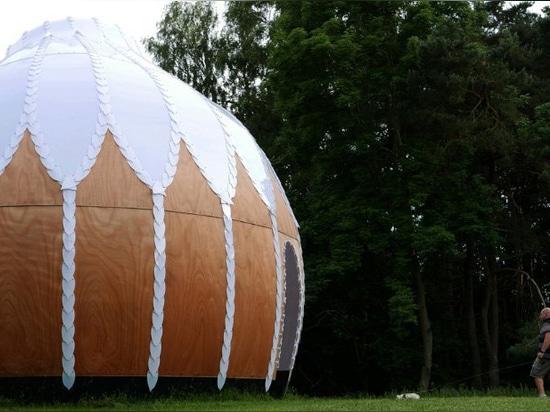 el'observatorio' de simon hjermind jensen'munkeruphus' responde a su entorno natural