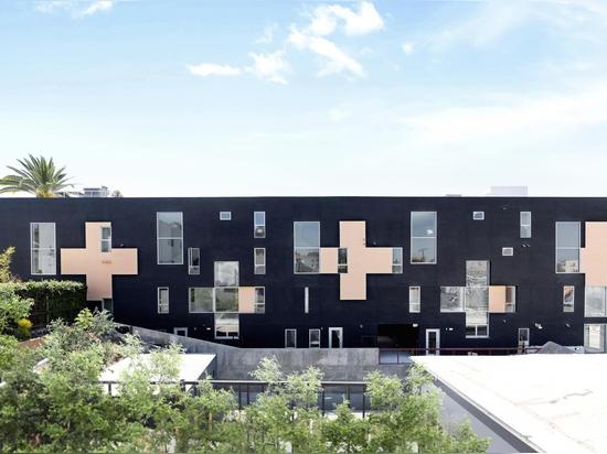 Las cuatro caras del Echo Park de WTARCH viven/trabajan en un edificio de apartamentos