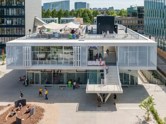 Academia Gerrit Rietveld e Instituto Sandberg / Estudio Paulien Bremmer + Hootsmans Architects