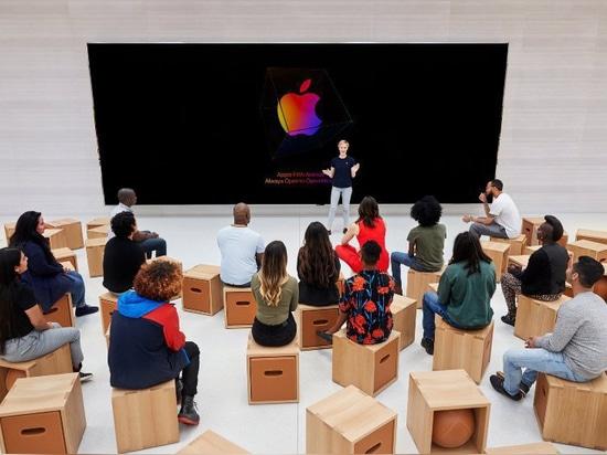 el famoso'cubo' de apple de nueva york reabre en la quinta avenida