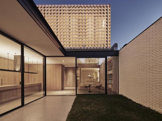 Layan diseña un faro en Melbourne