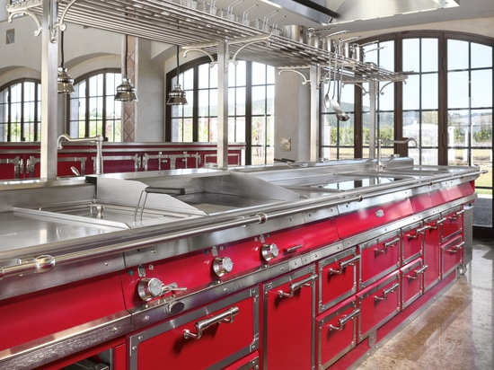 Officine Gullo presenta el nuevo Rubin Red & Brushed Nickel Project