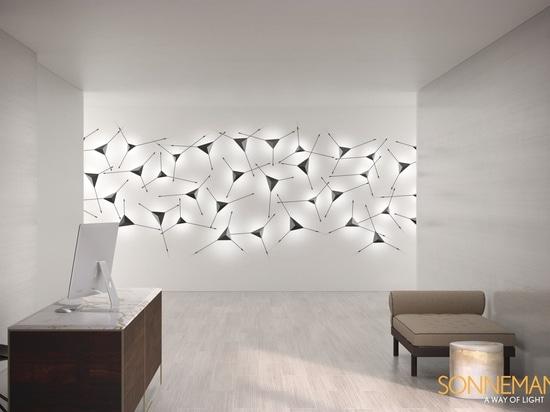 Ideas de iluminación - Este candelabro moderno se duplica como arte mural