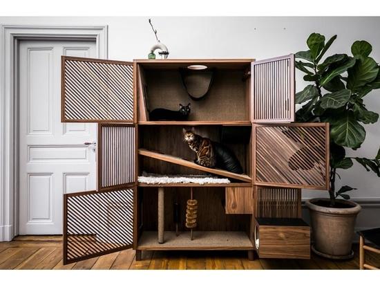 El piso del gato es un gran mueble para mascotas diseñado para no desentonar en un interior contemporáneo