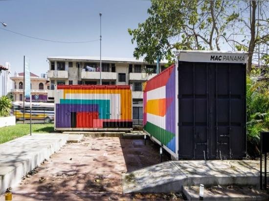Un museo de contenedores de transporte itinerante lleva el arte contemporáneo a través de Panamá