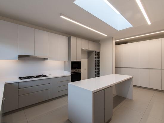 Casa NG / Lambiasi + Westenenk Arquitectos