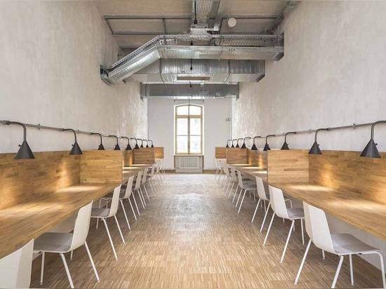 ChartierDalix Architects transforma cuarteles históricos en un edificio universitario en París