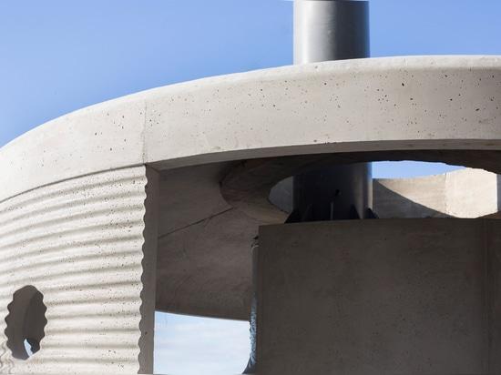 Rozana Montiel construye incineradores mexicanos de hormigón corrugado