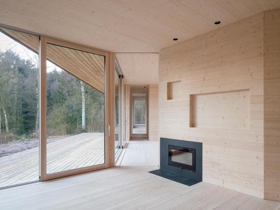La innovadora estructura CLT de esta villa danesa fue construida en sólo tres días