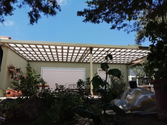 Hermosa cubierta de patio con pérgola Cospisun