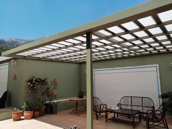 Hermosa cubierta de patio
