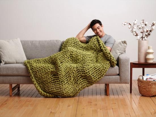 Añade comodidad y elimina el estrés con las mantas pesadas biodegradables de Bearaby