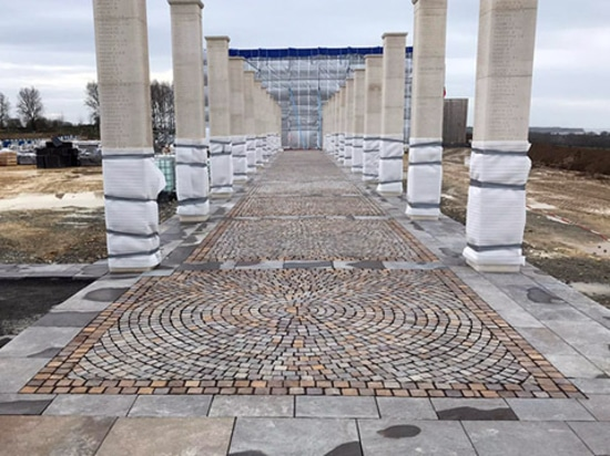 "Trentino porphyry from Odorizzi, at the ""British Normandy Memorial"""
