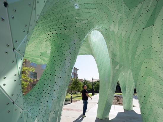 La Universidad de Texas Tech tiene una nueva escultura pública de Marc Fornes