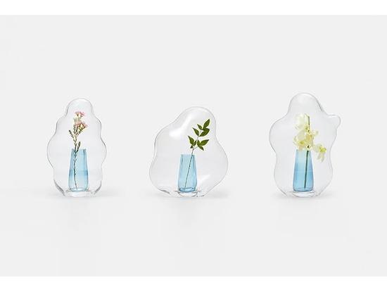 Las capuchas de cristal de las flores del estudio de diseño Yuhsien parecen burbujas congeladas en el tiempo