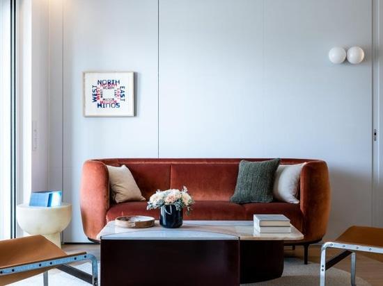 El apartamento modernista flotante hace referencia a los transatlánticos de mediados de siglo