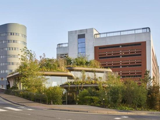 El estudio Heatherwick completa su primer Centro de Maggie