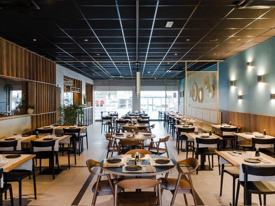 El sushiko se remonta a sus orígenes con los azulejos de gres porcelánico de Casalgrande Padana