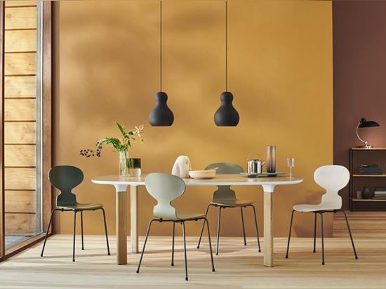 16 nuevos colores lanzados para las sillas apilables de Arne Jacobsen