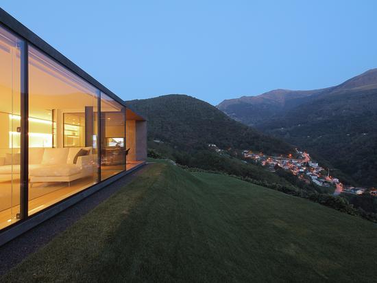 Edificios sostenibles con azulejos de gres porcelánico de Casalgrande Padana