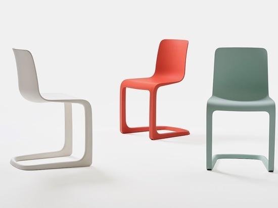 Tip Ton RE de Vitra reconsidera la silla Tip Ton de Barber & Osgerby.