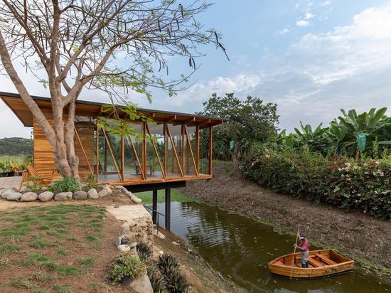 Salón de té / Natura Futura Arquitectura