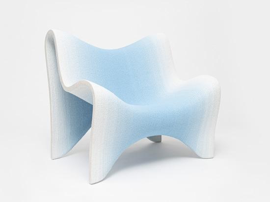 Colección de muebles con gradientes impresos en 3D por Philipp Aduatz