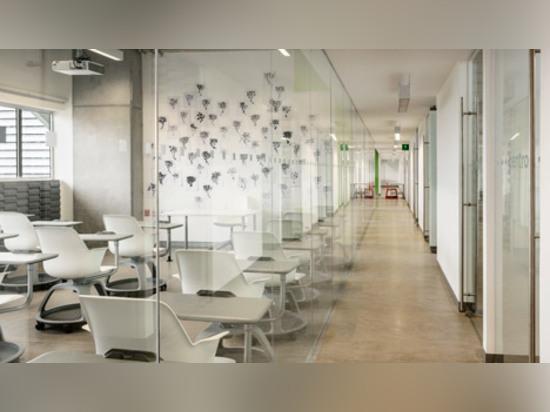 Enrique Norten termina el nuevo campus para la escuela del arte y del diseño de Centro en Ciudad de México