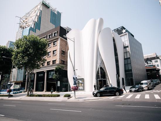 Christian de Portzamparc y Peter Marino crean el boutique ropa-inspirado para Dior