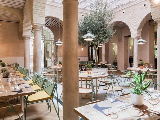los arquitectos de lucas y Hernández-gil dan a patio andaluz un acercamiento contemporáneo