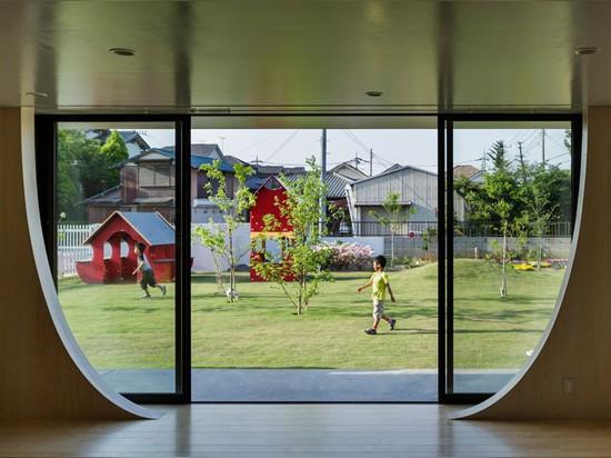 el sugawaradaisuke ajardina jardín de la infancia del yutaka para promover el aprendizaje activo