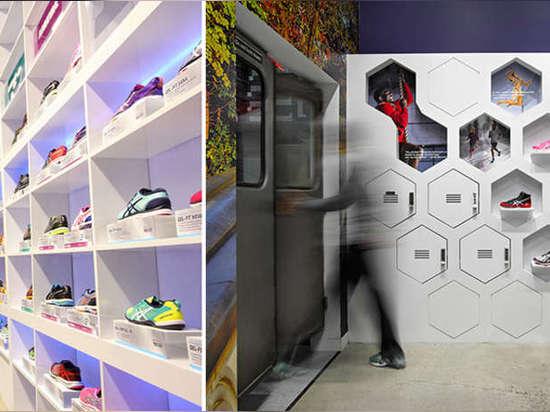 De izquierda: ¿Samsung? las pantallas comerciales de la serie de la CPE de s crean una exhibición video envuelta para referirse a las luces y a la publicidad del Times Square apenas abajo del bloqu...