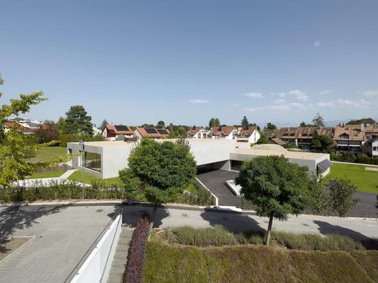 Jardín de la infancia y Crèche