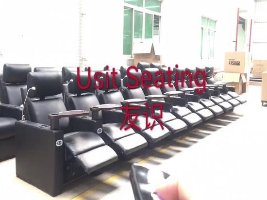Un mando a distancia controla todos los asientos de una pantalla